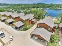 Table Rock Lake Cabin, 7Br, 4Ba NEW - Free Pontoon Boat  / BrSh_7-Br
