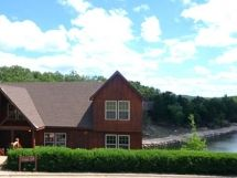 Family Funtimes 4-Br, 4Ba Lakefront Cabin (1 Br is a Loft) / L119