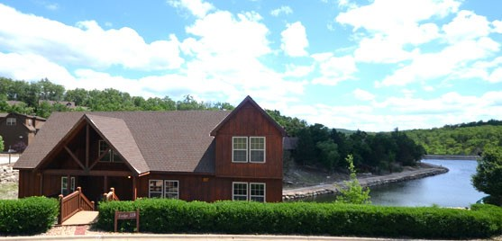 3-Br Lake Front Cabins in Branson, MO