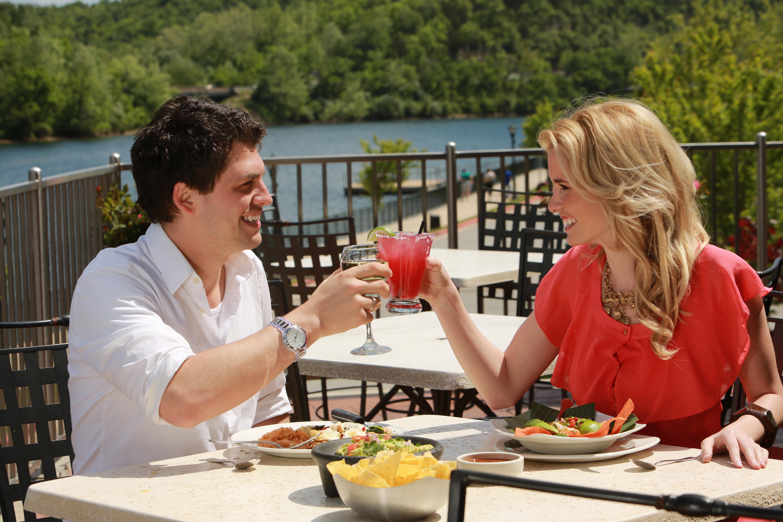 branson couple cheers